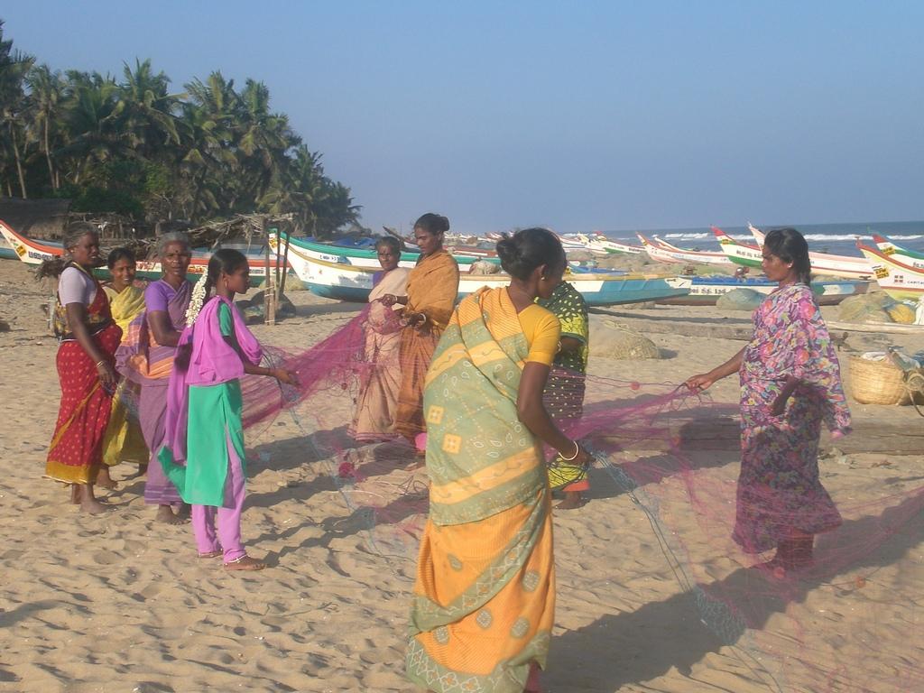 Photo - women showing me their new fishing net