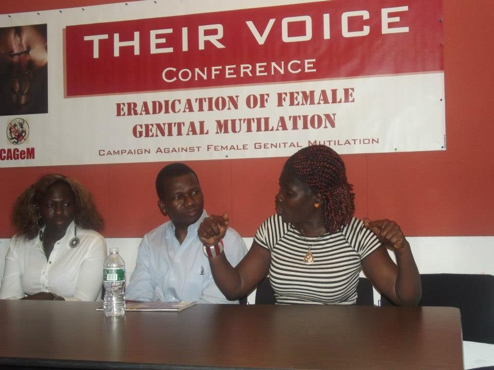 Mae Azango speaks at CAGeM press conference