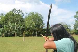 Bow and arrow competition - Jimmy LRFF's field man