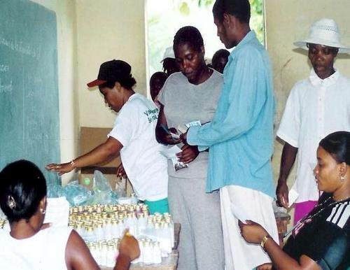Empowering local women's group - AK1000 Nutrition