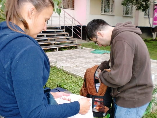 Making a bag with necessary medical kit
