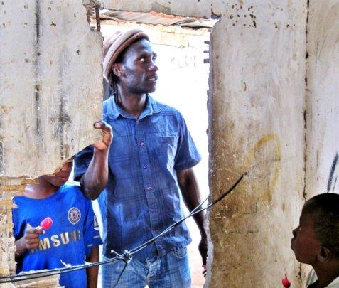 Issa Kouyate inspecting a Saint Louis daara