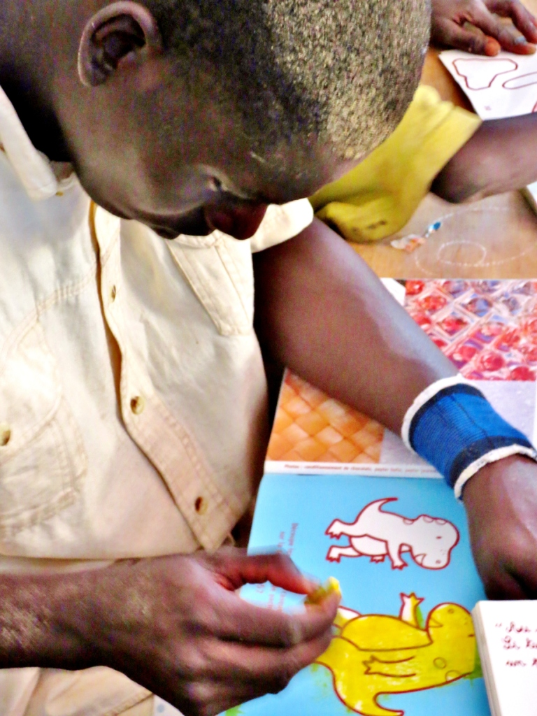 Coloring, a first chance to be a child