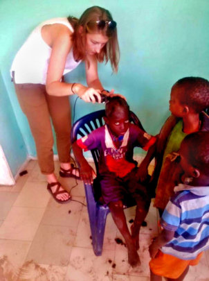 Cutting talibe children's hair in the infirmary