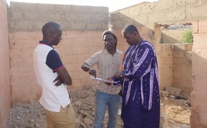 The site, waiting- Issa & Mapate meet a contractor