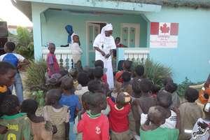 Anta organizes children to receive new clothes
