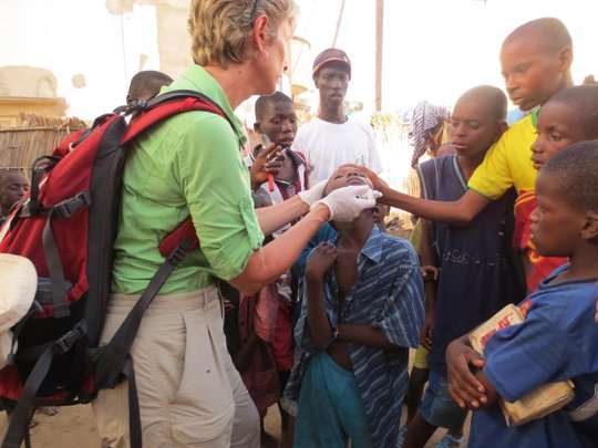 Karen Hornby treating talibe child