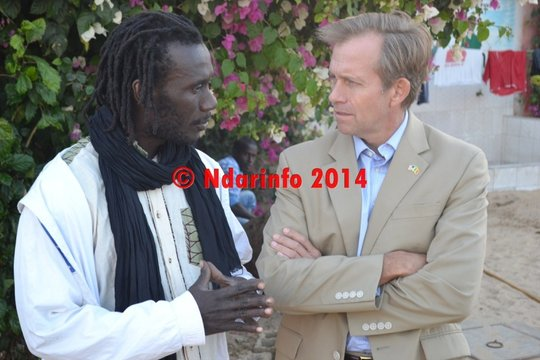 Issa Kouyate in discussion with Ambassador Lukens