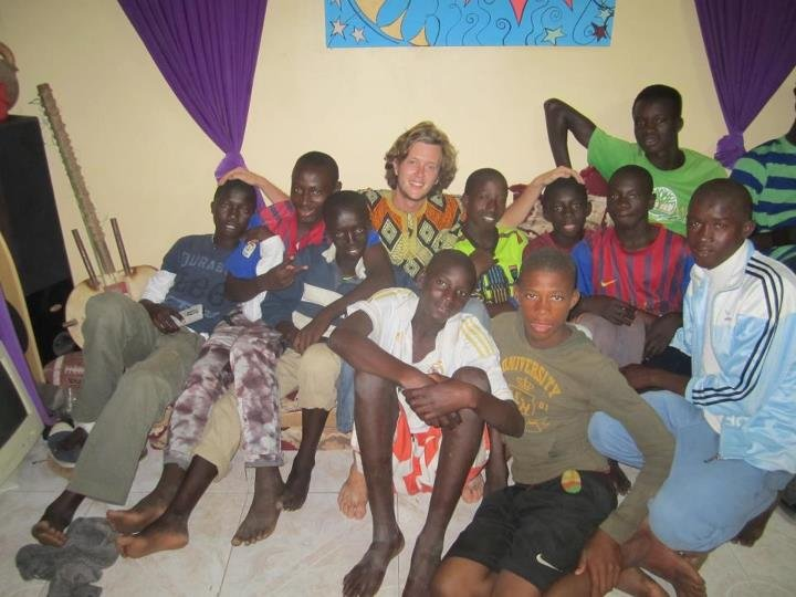 Oscar Kvamme with talibe children