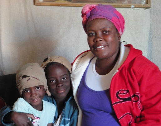 Kandali and her daughters