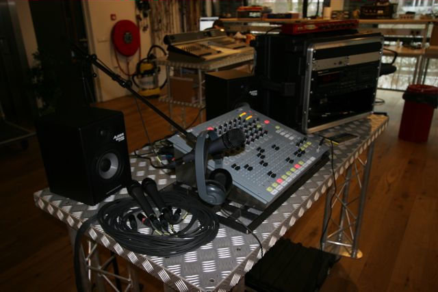 Build a radio station for peace in Sierra Leone