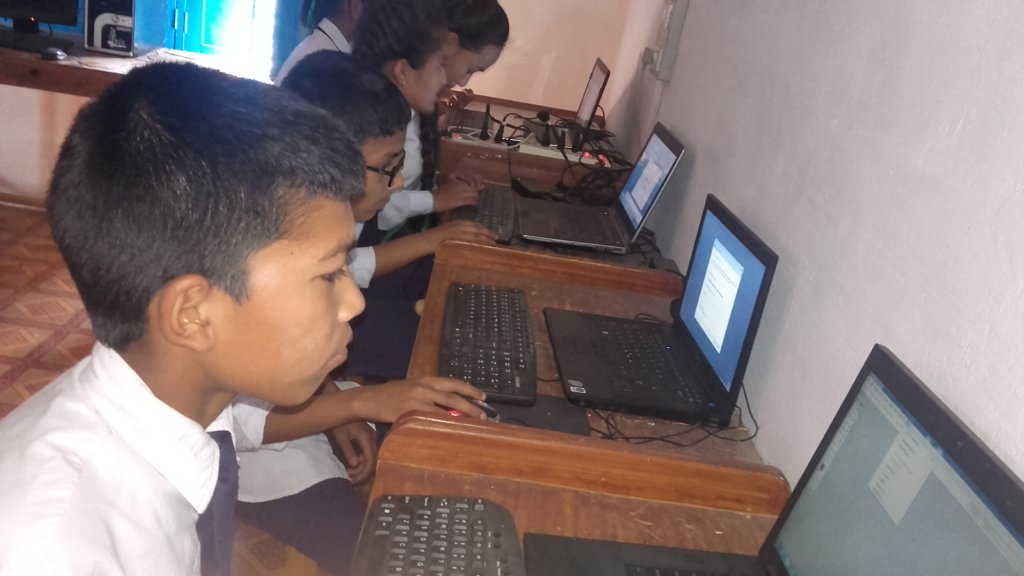 Kids in the Computer lab room