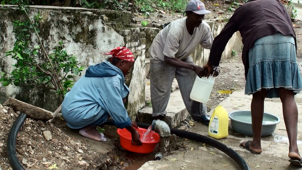 Collecting water during the well development