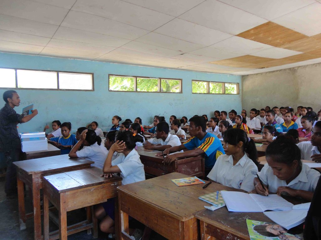 A class in session at Nicolau Lobato High School