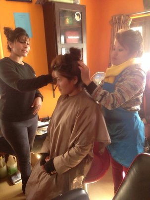 Practiccing beauty parlor training...