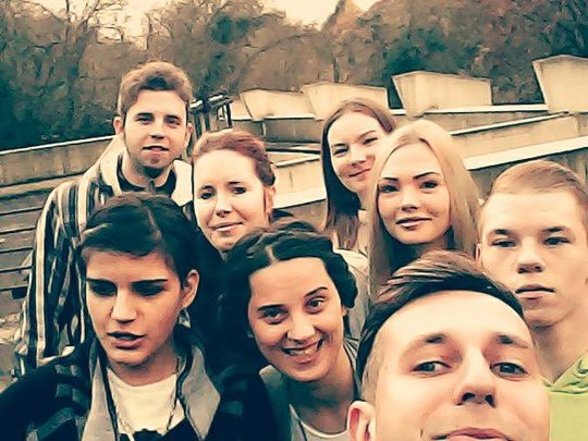 Selfie of Edin, Dinka, and students in Germany