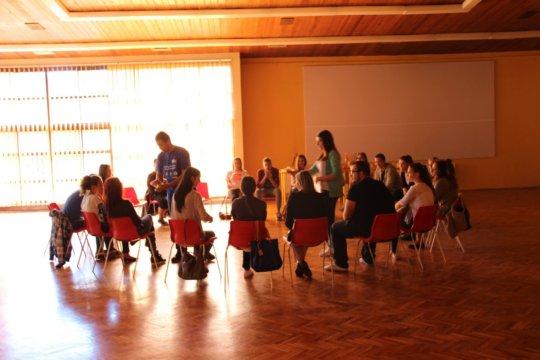Sponsor Bosnian-Herzegovinian youth to build peace