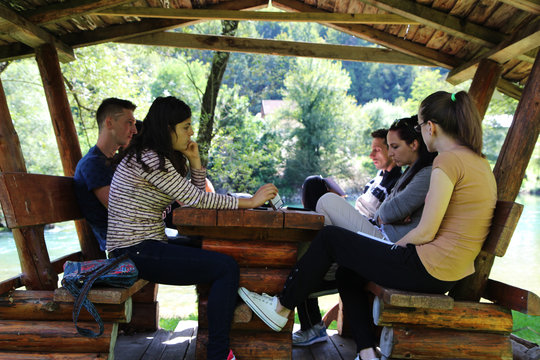 Sponsor Bosnian-Herzegovinian youth to build peace