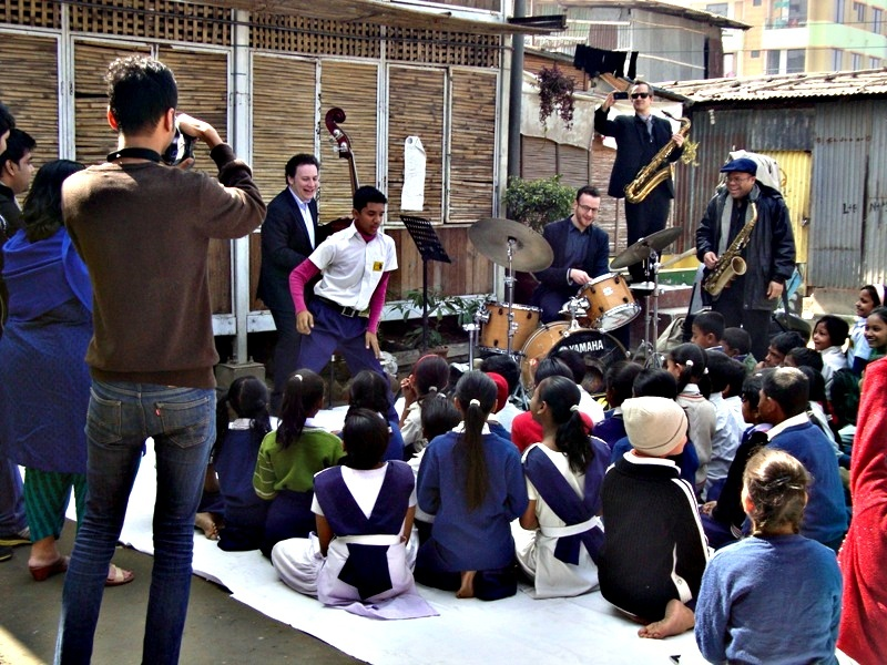 JAAGO kids with the jazzers