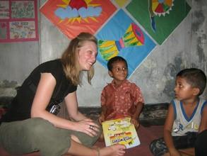Ms. Bourassa talks to preschool students.