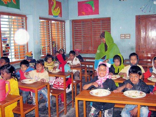 Kids enjoying their farewell lunch.