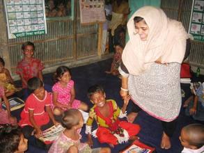 Arishaa Khan with kids