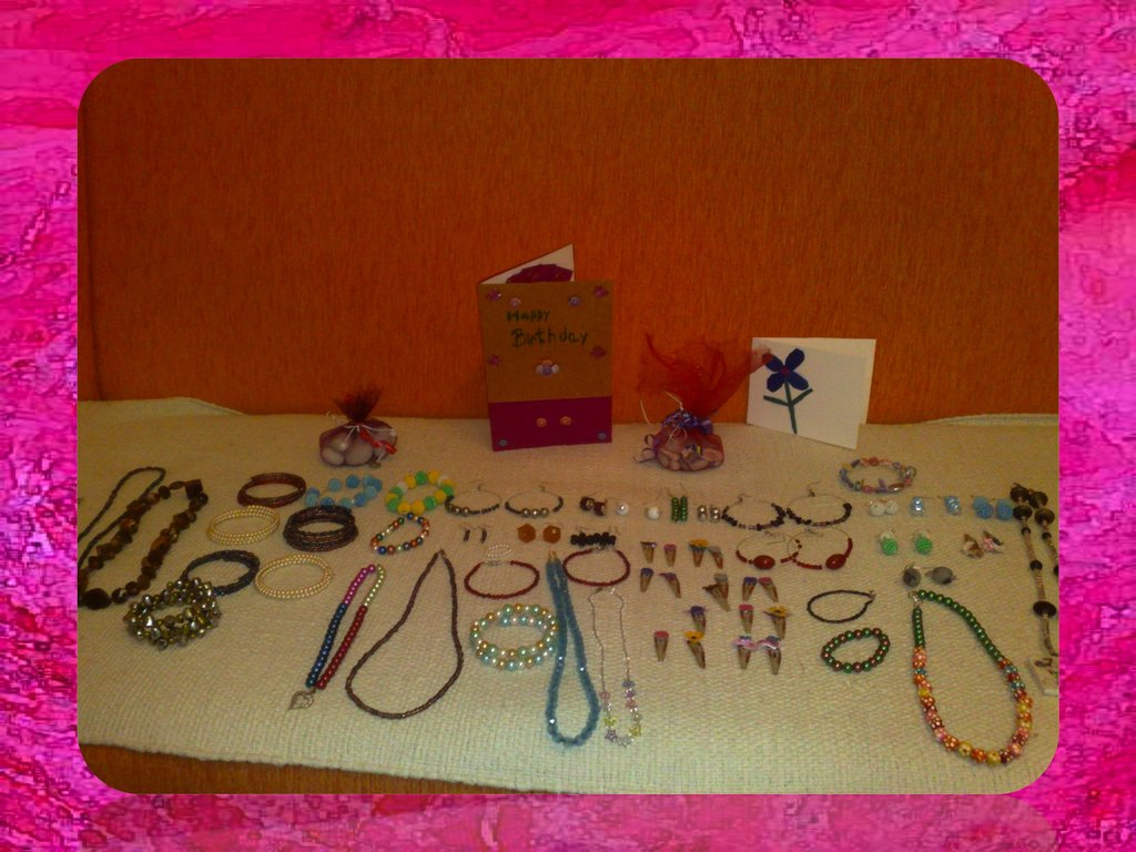 Jewelry made by students at Zenica orphanage