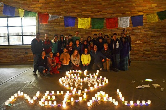 Student supporting CU Stands With Nepal