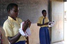 Training on using reusable sanitary pads