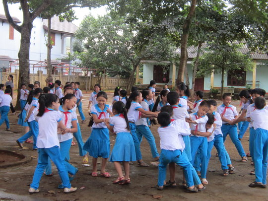 Khe Sanh students in their last day at school