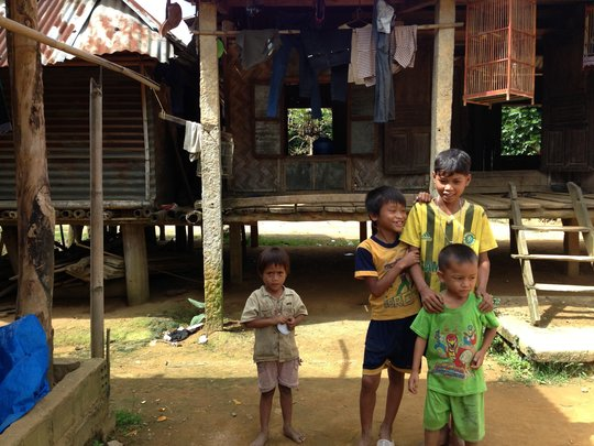 Ethnic children in Pa Nho need school uniforms