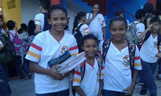 Monaliza, Naira and Nagila at school