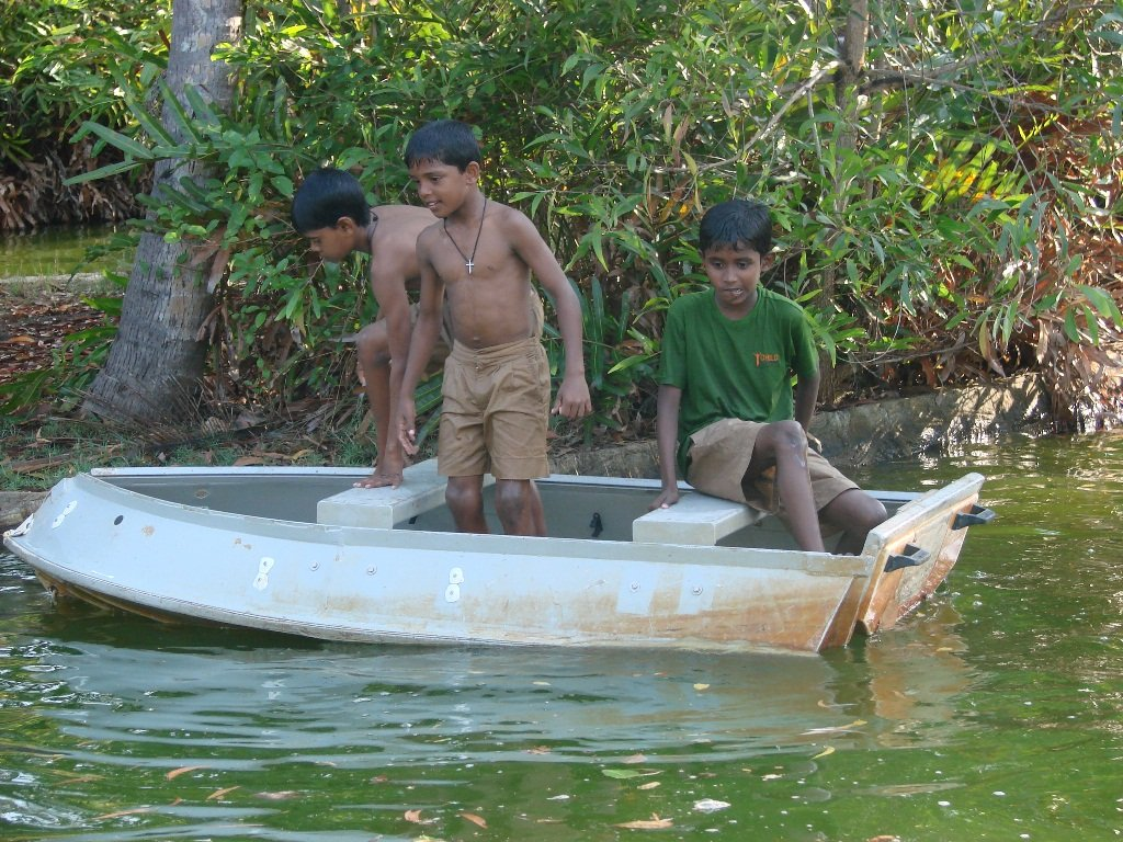 Empower Sri Lankan Youth at Vocational Fish Farm