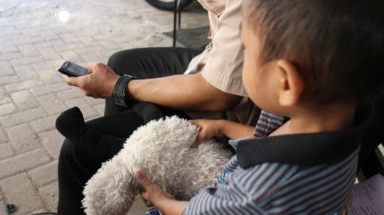 Teguh & Dadan waiting at the doctor