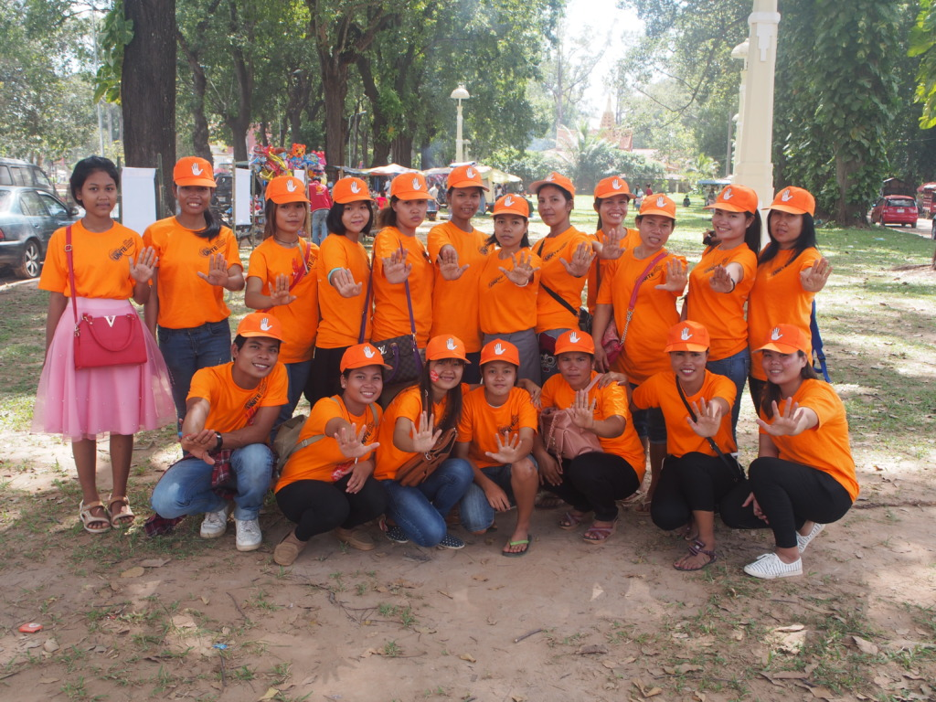 WRC team and volunteers campaign to end violence