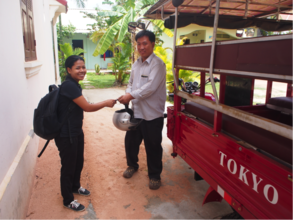 Tuk tuk is delivered and Pisey receives the keys