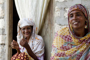 Two women of Wiyoni's group