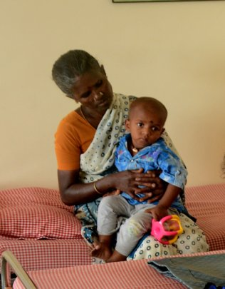 Give the Gift of Sight to the poor in India