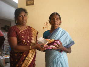Mrs.Alagammal (an inmate) received cloth