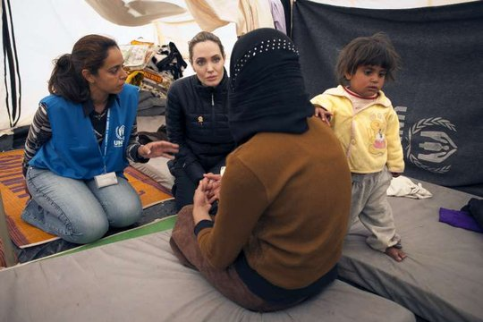 Angelina Jolie meets with Syrian refugees