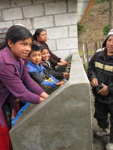 Hand-washing station in Quechip