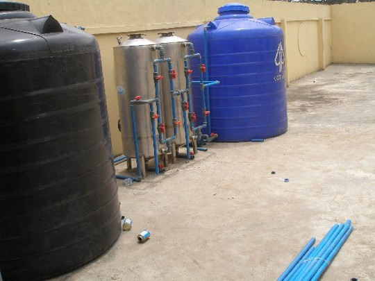 tHE PURIFICATION mEDIUM CONNECTED TO THE WATER TANKS