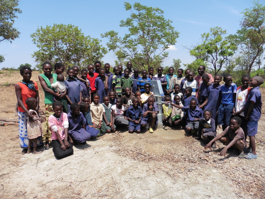 Simsumuku School welcomes new bore hole