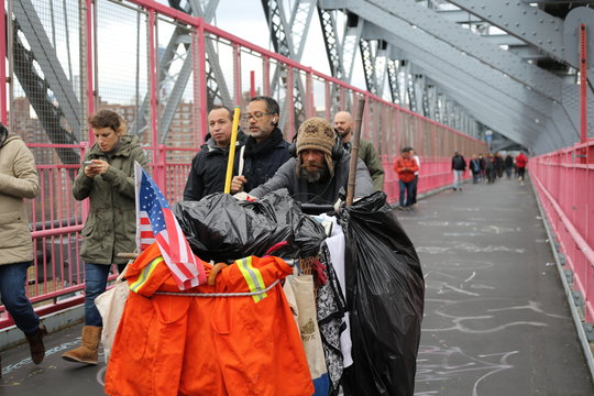 People on Williamsburg Bridge
