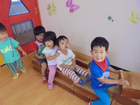Children between 1 and 2 at Tomioka Kindergarten