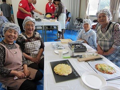 Veteran housewives turned out to be great teachers