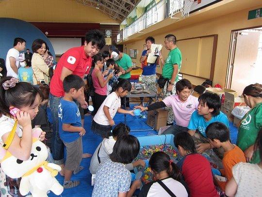 During intermission, children enjoyed many games.