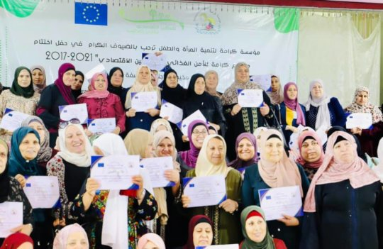 All women happily received their certificate!
