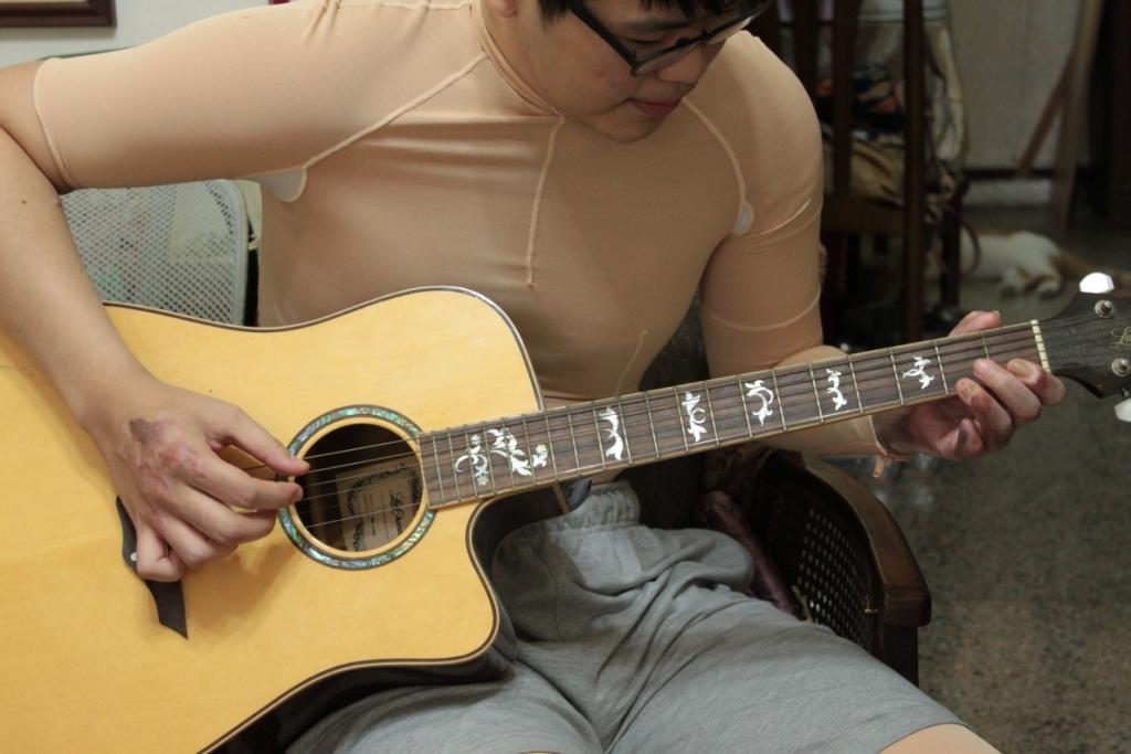 Rehabilitation goal #1: Play guitar again