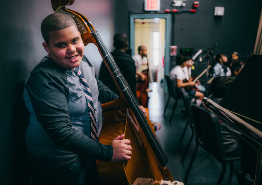 A bassist is all smiles! Credit: Daniel Pagan
